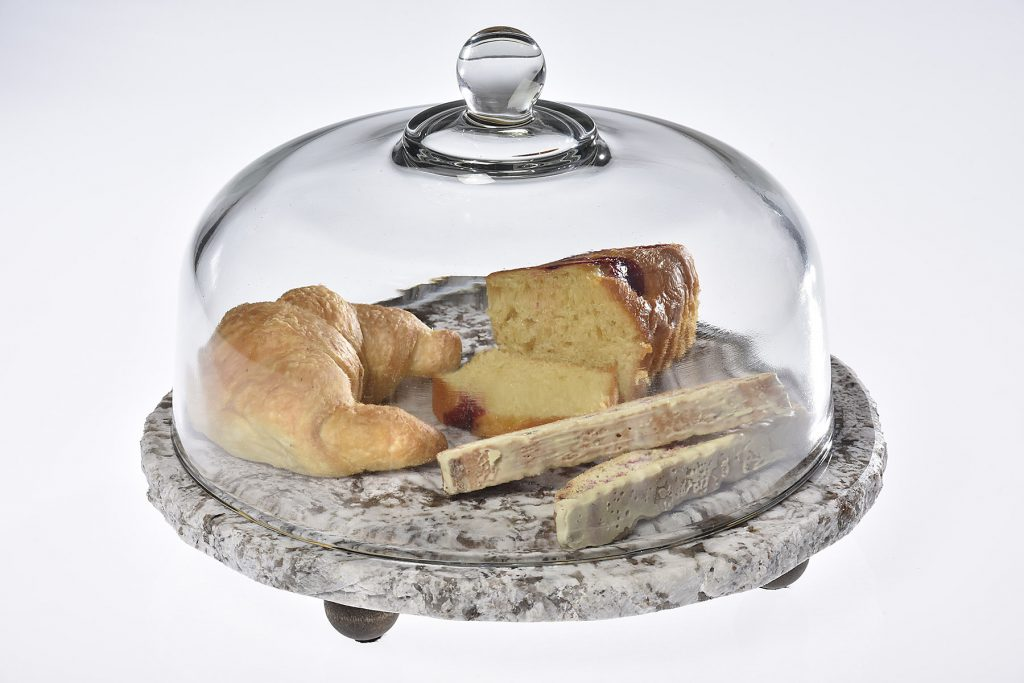 Cake stand with lid - Small.jpg